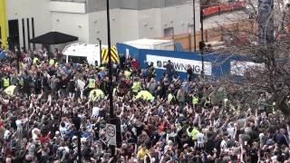 getlinkyoutube.com-Violent Sunderland Fans With Flares @ Newcastle 0 - 3 Sunderland @ St James Park 14.04.2013
