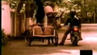 getlinkyoutube.com-Bajaj Caliber Commercial - Doordarshan Ad/ Commercial from the 80's & 90's - pOphOrn