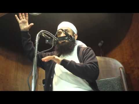 Moulana Tariq Jameel at London markaz Part 1 of 4.