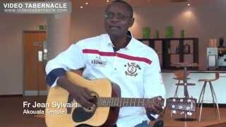 getlinkyoutube.com-Fr Jean Sylvain Akouala à la guitare sèche, 23/04/2014 - Milton Keynes, UK