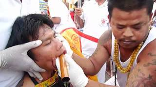 getlinkyoutube.com-พิธีลงเข็มม้าทรง:Piercing Ritual 2