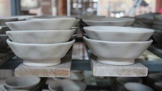 getlinkyoutube.com-ขั้นตอนปั้นชามตราไก่แบบโบราณ โรงงานเซรามิกธนบดี Ceramic Lampang
