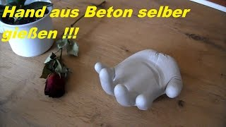 download video beton giessen diy betonhand hand aus beton mit einmalhandschuh gemacht. Black Bedroom Furniture Sets. Home Design Ideas