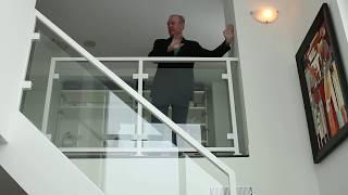 getlinkyoutube.com-67. Образец продаваемой 2-х этажной квартиры в Торонто, Канада.