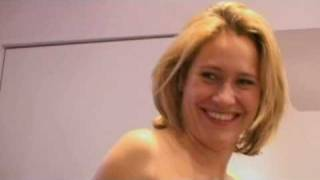 getlinkyoutube.com-What not to wear - Sophie Raworth 2