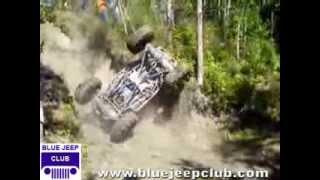 getlinkyoutube.com-4x4 Jeeps offroad crashing and rolling