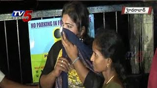getlinkyoutube.com-Hijra thief Midnight Hulchul | Jubilee Hills  : TV5 News