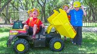 getlinkyoutube.com-Tonka Ride On Mighty Dump Truck for Kids - Unboxing, Review and Riding
