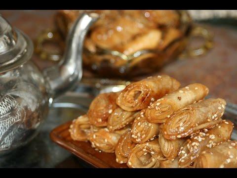 Recette Pâtisserie Babouche au Miel - Moroccan Pastry Slippers with Honey Recipe - Recettes Maroc
