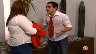 getlinkyoutube.com-Mia se escapa del colegio.  Miguel se procupa por Mia