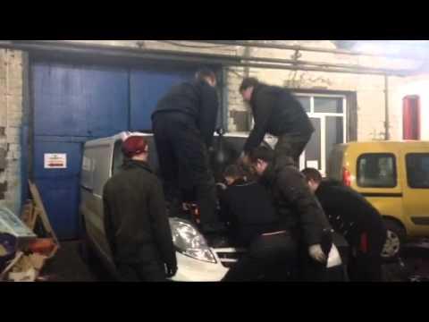 Nissan Primastar - демонтаж (замена) форсунки