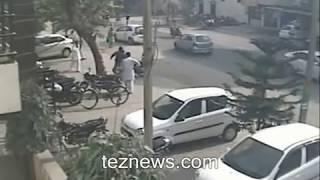 getlinkyoutube.com-Live Murder of Financer in Yamunanagar Caught ON CCTV