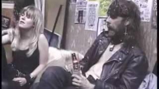 getlinkyoutube.com-Hangin out with GG backstage 1988