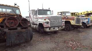 getlinkyoutube.com-Rusted Old Truck Mega Collection