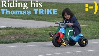 getlinkyoutube.com-Thomas & Friends: Riding His Thomas the Tank Engine TRIKE at the Park