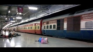 getlinkyoutube.com-Night Coverage of Various Trains at KOTA Junction : Indian Railways