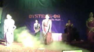 getlinkyoutube.com-shaikh college oysters 06 marathi dance.mp4
