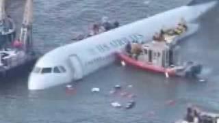 getlinkyoutube.com-US Airways emergency landing hudson river (water)  part 1