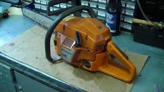 getlinkyoutube.com-Engine Rebuild On Husqvarna 55 & 51  Chainsaw Part 1/3