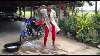 getlinkyoutube.com-พริตตี้ล้างรถ by เร็กเก้ บ้านสวน