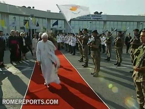 Pope leaves Cyprus after presenting the document of the Synod on the Middle East