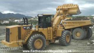 getlinkyoutube.com-MASSIVE Cat 992K wheel loader test