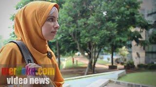 getlinkyoutube.com-Malikah, Mualaf Asal Belanda Yang Kini Kuliah di Universitas Indonesia