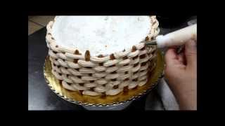 getlinkyoutube.com-How to Create a Basketweave for Cake Decorations - Flower Basket cake tutorial
