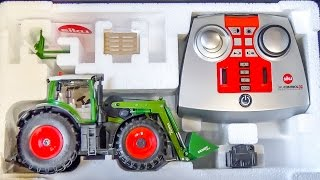 getlinkyoutube.com-RC tractor gets unboxed and dirty for the first time!
