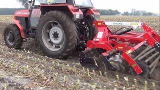 getlinkyoutube.com-Talerzowanie kukurydzy 2014, Grano System, Agro-Masz, Talerzówka
