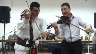 getlinkyoutube.com-Stangaciu & Petre Giurgi - Duet la Vadu Crisului (Colinzi 2013 )