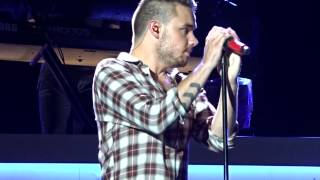 getlinkyoutube.com-One Direction - 18 - Minneapolis - 7-26-15