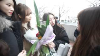 getlinkyoutube.com-러블리즈 명은이 졸업식