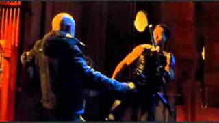 getlinkyoutube.com-Rare action: Donnie Yen versus vampire in Blade 2!