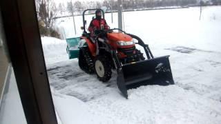 getlinkyoutube.com-小さなトラクタで除雪してみた!