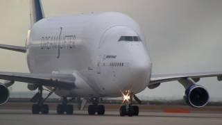 getlinkyoutube.com-Boeing 747 LCF Dreamlifter N780BA Landing at Nagoya