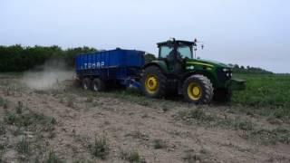 Испытания прицепа тракторного бункера-перегрузчика Тонар ПТ4 с разбрасывателем дефеката