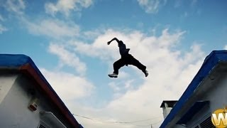 getlinkyoutube.com-Powerful FreeRunning Stunts Chase Style