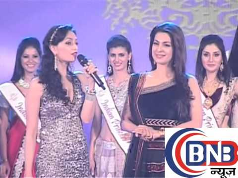 govinda and juhi chawla with sexy models at  indian princess grant finale fashion show  part-7/4