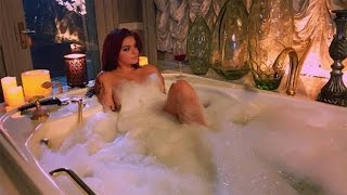 getlinkyoutube.com-Ariel Winter Poses for Her Sexiest Pic Yet... In a Bathtub!