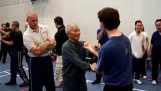getlinkyoutube.com-Ip Chun shows why he is Grand Master