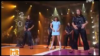 getlinkyoutube.com-Alizée - J'ai Pas Vingt Ans Live (2003-06-07 - Hit Machine - M6)