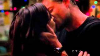 getlinkyoutube.com-Grey's Anatomy Mark and Lexie the kiss 7x10