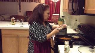 getlinkyoutube.com-Easy Arroz con Pollo (Mexican Rice and Chicken) Cooking Tutorial