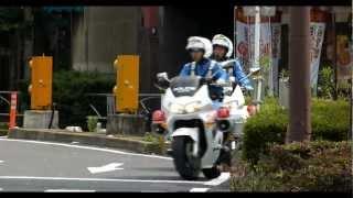 getlinkyoutube.com-白バイが違反者にマジギレ。A police officer strongly admonished a traffic violator.