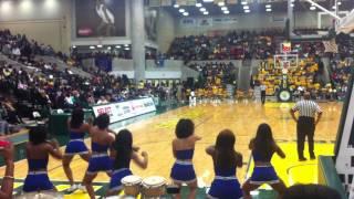 getlinkyoutube.com-Hampton Cheerleading vs. Norfolk State Cheerleading