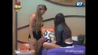 getlinkyoutube.com-Angelis & Manoella se beijam, e trocam carinhos | Fazenda de Verão