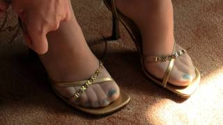 getlinkyoutube.com-My girlfriend's feet 05