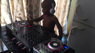 getlinkyoutube.com-Dj Arch Jnr mixing it up with some acapella