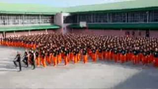 getlinkyoutube.com-سجناء يقومون بالرقص مثل مايكل جاكسون - d1g.com.flv
